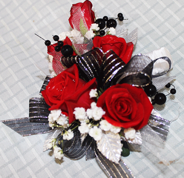 3 Red Roses Corsage