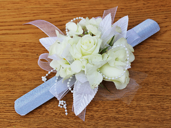 White Roses Beads Wrist Corsage